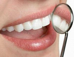 Как правильно чистить зубы с брекетами