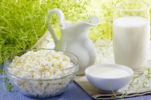 Кариес у детей может вызывать прием молока
