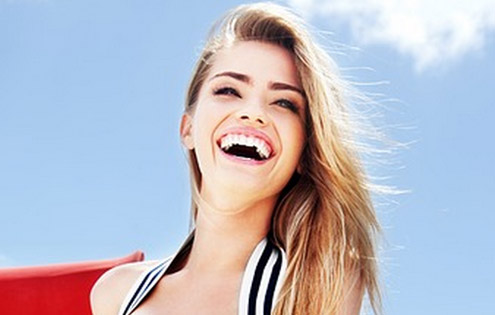 Как удивить окружающих белизной зубов?