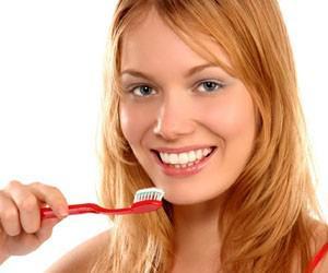 Чистить зубы перед сном следует в темноте