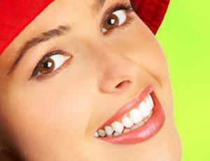 Голливудская улыбка: способы отбеливания зубов