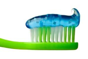 Вредные ингредиенты в зубной пасте