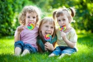 Сладости с бактериями помогут защитить зубную эмаль