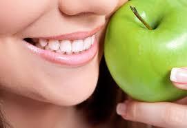 Стоматологи рассказали, как определить приближение опасной болезни десен