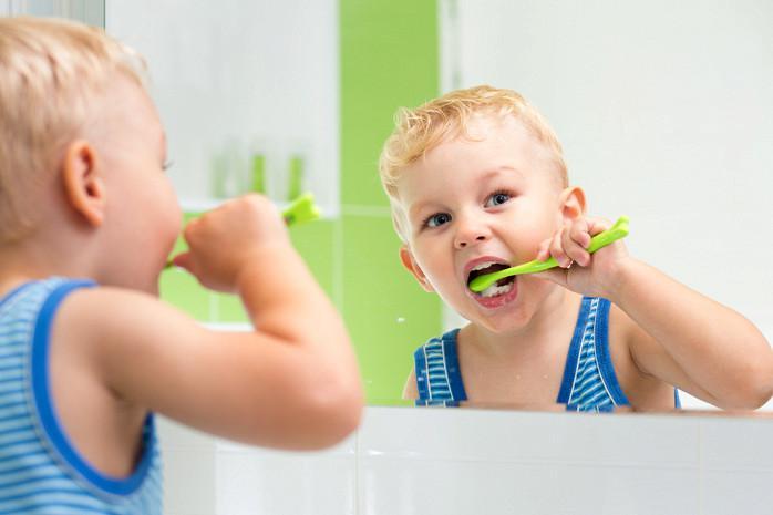 Как чистить зубы ребёнку