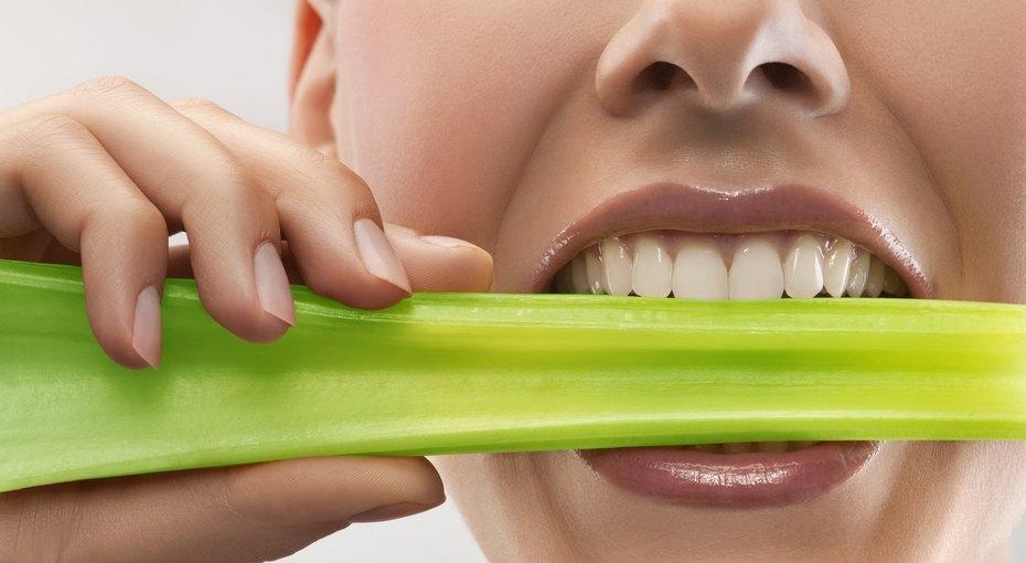 Продукты, которые могут серьезно повредить наши зубы
