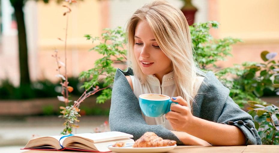7 способов защитить зубы от «кофейных» пятен