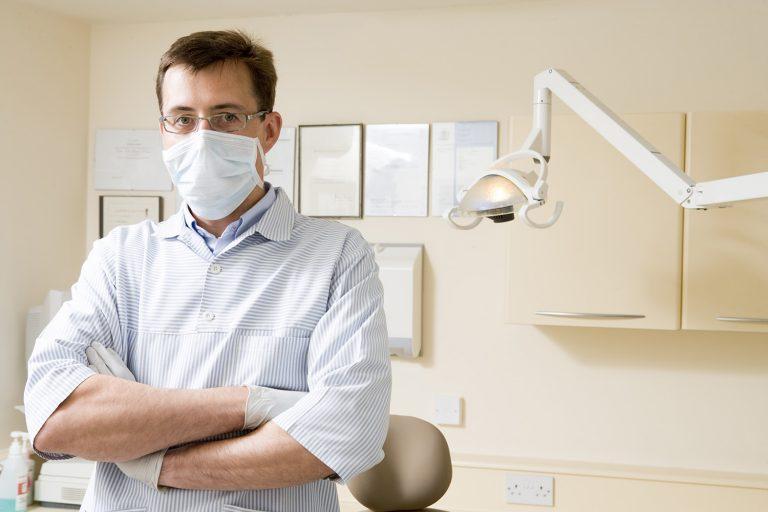 Средства защиты для стоматолога и его пациента