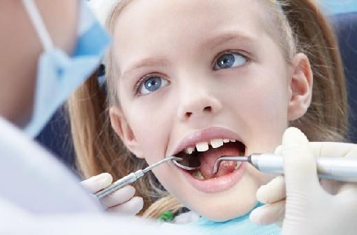 Молочные зубы – лечить обязательно