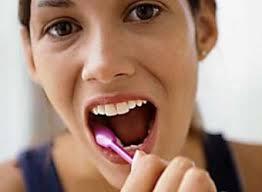 Доказано: зубные пасты и полоскания не спасают от кариеса