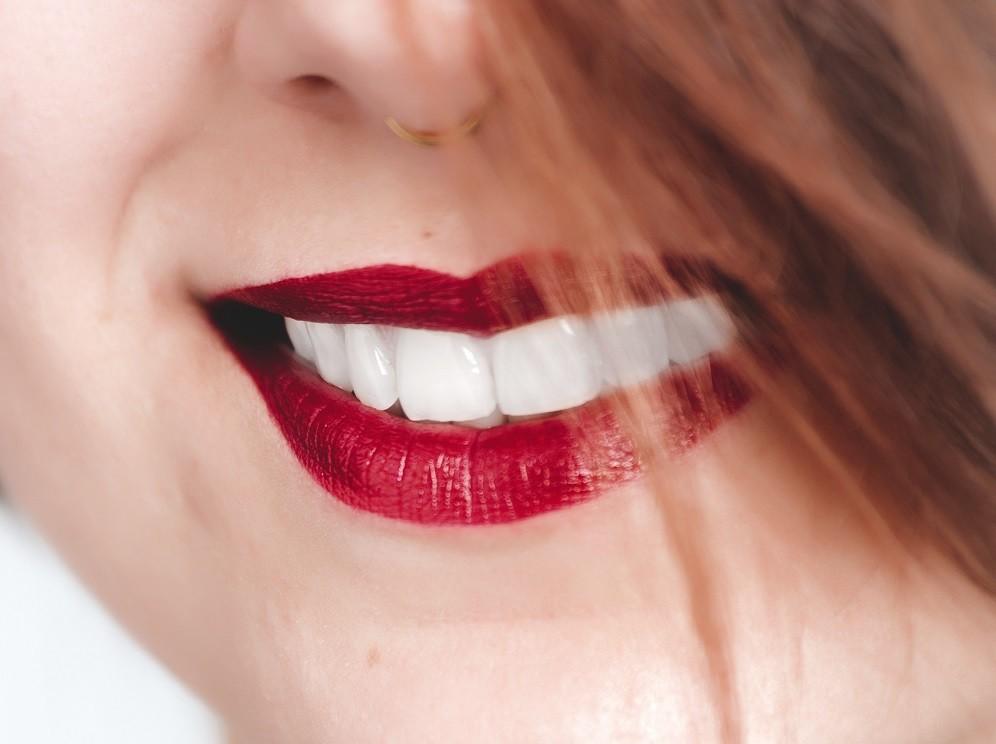 Протезирование зубов за один день