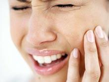 Чувствительность зубов и оголенные корни — тревожный симптом рецессии десен