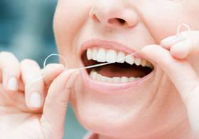 Зубная нить спасет от инсульта, – ученые