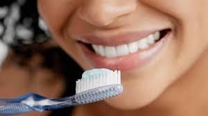 Ряд зубных паст и ополаскивателей для полости рта способны нейтрализовать частицы коронавируса