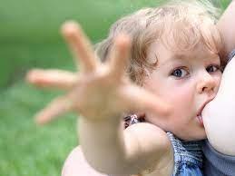 Кормление грудью и еще 4 неочевидные причины детского кариеса