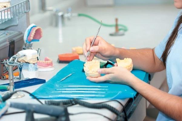Три инновации, изменяющие представление о зубных протезах